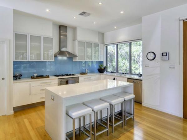 glas küchenrückwand spritzschutz küche küchenrückwand plexiglas blau