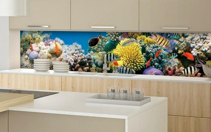 glasrückwand küche fische dekorativ