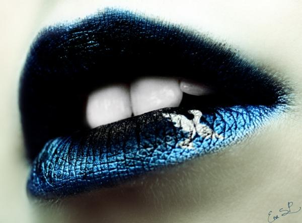 halloween lippen schminken dunkelfarbig