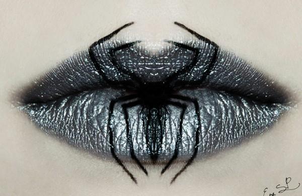 halloween-schminke-lippen-silber