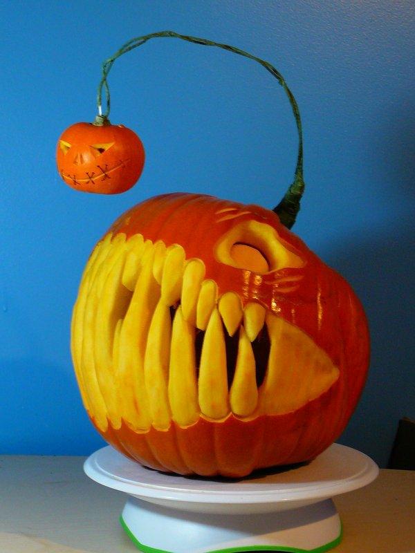halloween kürbis schnitzen vorlagen halloween kürbis gesicht mit zähnen