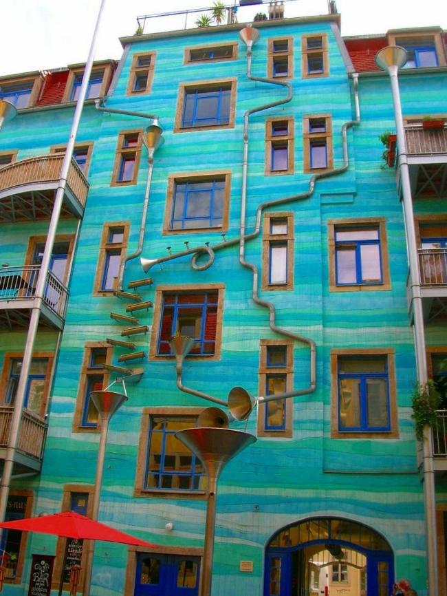 Hausfassaden Ideen hausfassade streichen bringen sie alle regenbogenfarben zum einsatz
