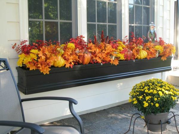 Herbstblumen als haus oder tischdekoration einsetzen for Fall balcony decorating ideas