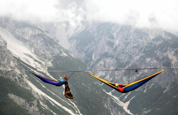 highline meeting festival outdoor hängematte schweben italienische alpen