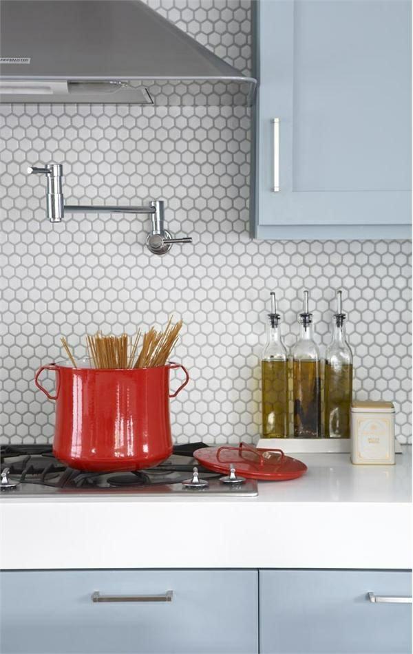 küchenfliesen wand fliesenspiegel küche wandspiegel küche spritzschutz