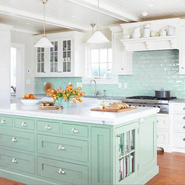 küchenrückwand aus glas fliesenspiegel glas minzgrün kücheninsel