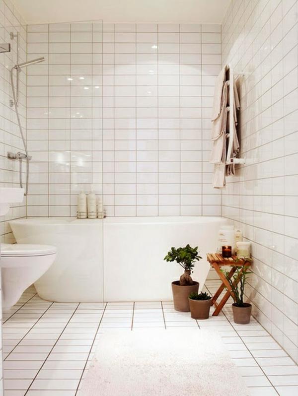 kleines bad planen badfliesen komplett weiß badewanne