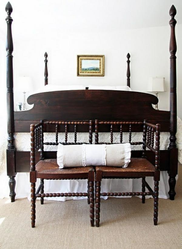 kolonialmöbel schlafzimmer einrichten bett bettpfosten