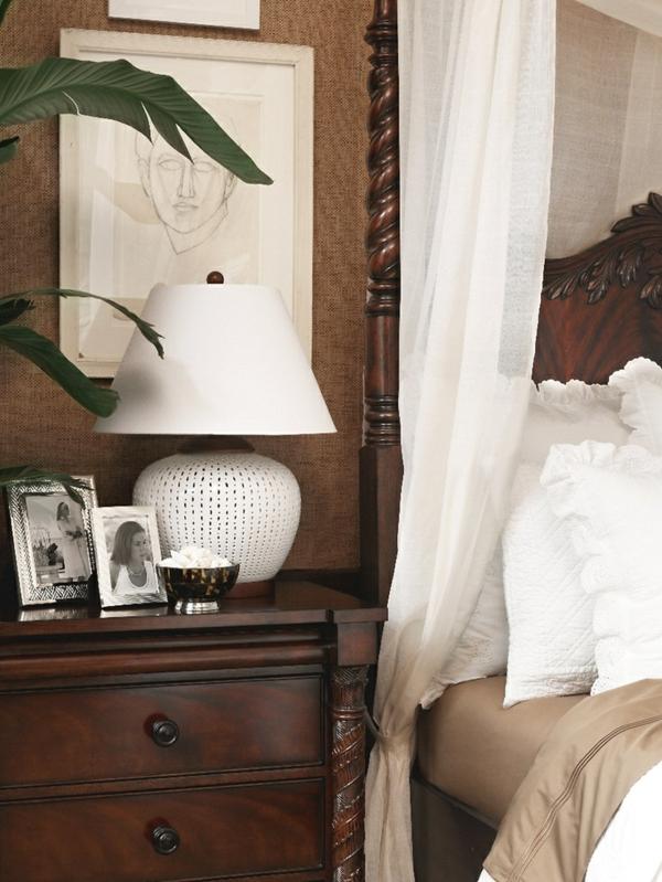 kolonialstil möbel schlafzimmer ideen holz anrichte schubladenschrank bett bettpfosten