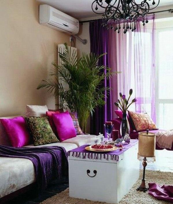 gardinen in lila fenster vorhänge schlafzimmer kissen