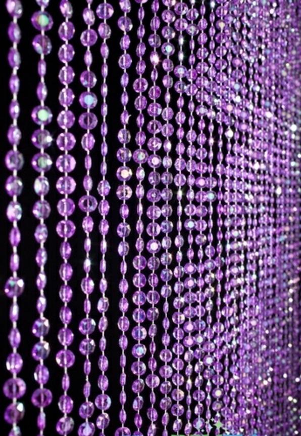 gardinen in lila fenster vorhänge schlafzimmer kunstperlen