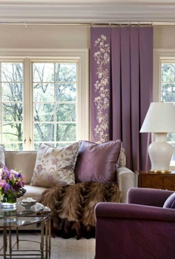 gardinen in lila fenster vorhänge schlafzimmer muster