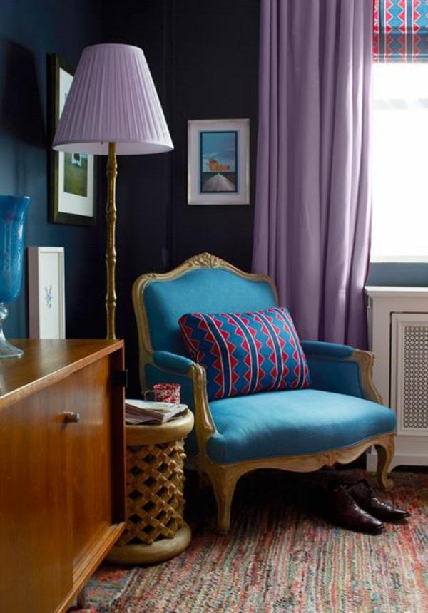 violett gardinen fenster vorhänge schlafzimmer stehlampe