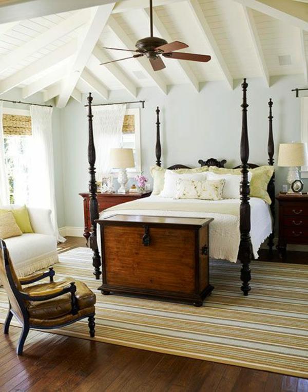 möbel schlafzimmer ideen holzboden teppich streifenmuster