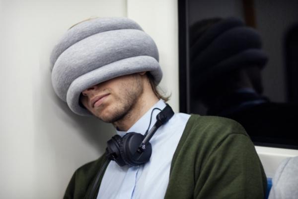 ostrich pillow light reversible reisekissen design studio banana things