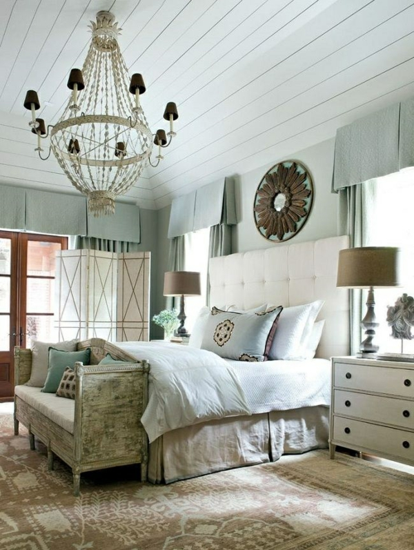 polsterbett kopfende schlafzimmer einrichtungsideen wandfarbe blau grau