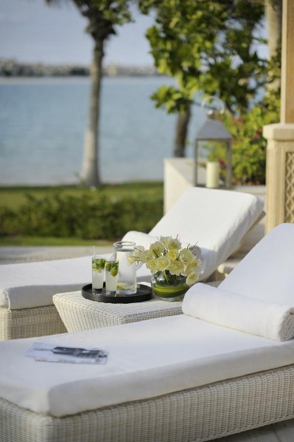 relaxliege garten weiß rattan lounge möbel gartenmöbel sett