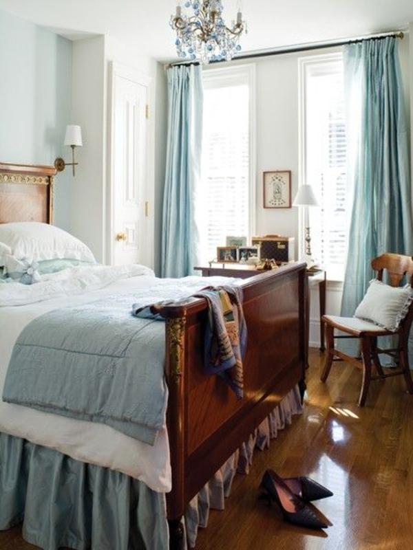 romantisches schlafzimmer gestalten mintgrün türkis vorhänge