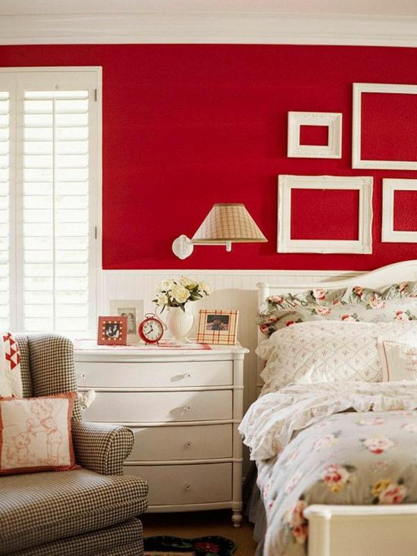 rotes schlafzimmer weißer schrank