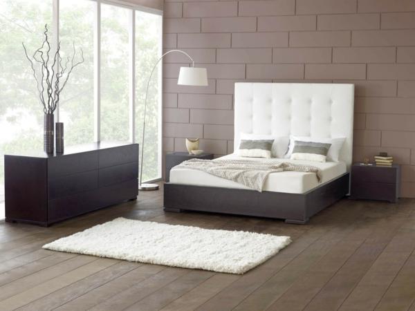 schlafzimmer einrichtungsideen polsterbett holzboden bettvorleger