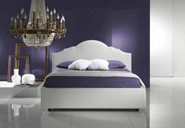 schlafzimmer wandfarbe trendfarbe2014 königliches lila