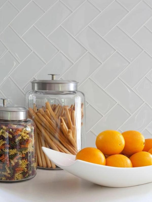 spritzschutz küche küchenfliesen wand fliesenspiegel glas fliesen