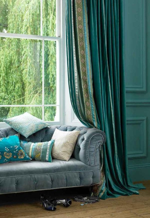 vorhänge türkis gardine blickdicht orientalischer stil sofa dekokissen wurfkissen