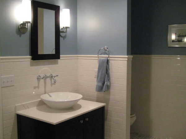 wandfarbe badezimmer wandfliesen weiß wandfarbe grau blau
