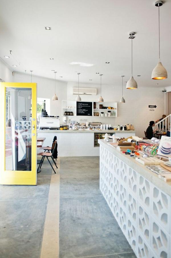 wandfarbe beton farbe wände streichen weiß betonboden moderne küche