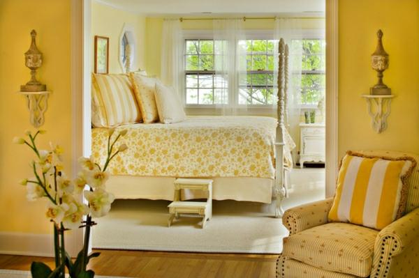 wandfarbe schlafzimmer gelb farbgestaltung wände streichen bettwäsche muster
