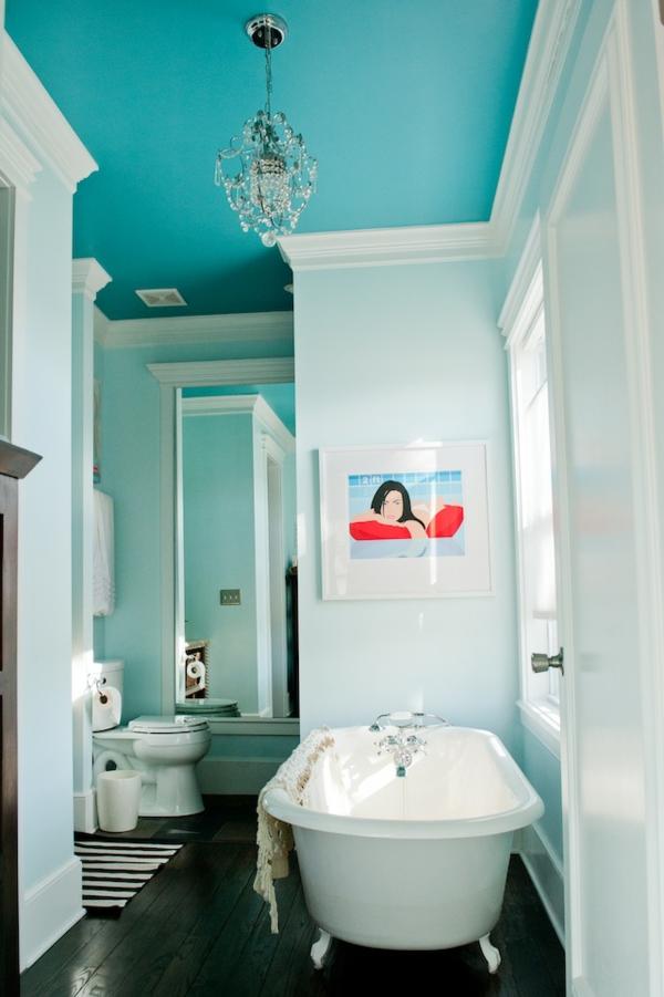 wandfarbe weiß moderne badezimmer deckenfarbe blau