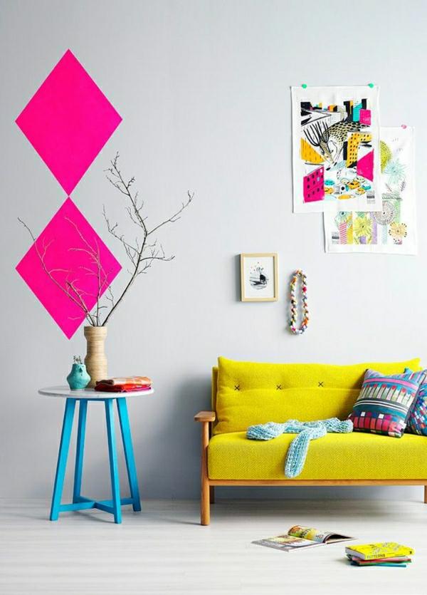 wandfarbe wohnzimmer auswählen probe pink farbideen grelle farben