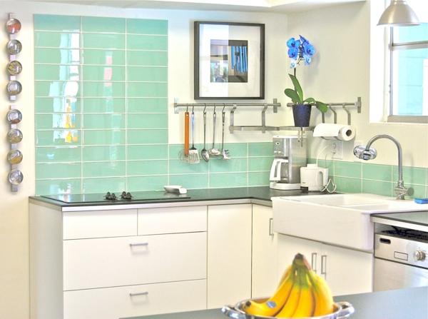 wandfliesen fliesenspiegel küche küchenfliesen wand türkisblau grün