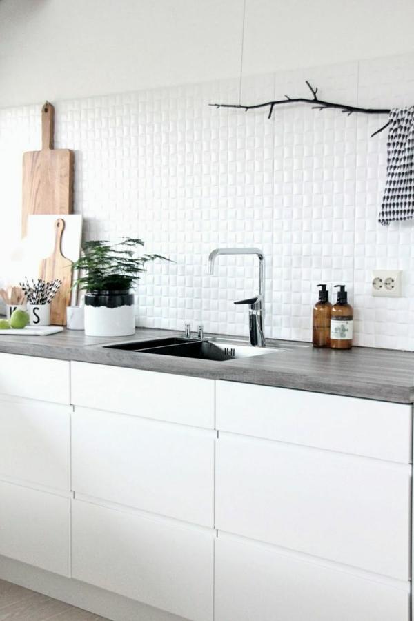 wandfliesen küche fliesenspiegel weiße küchenfliesen