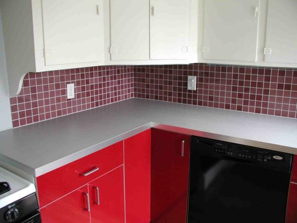 wandpaneele küche fliesenspiegel rot küchenfliesen küchenfronten