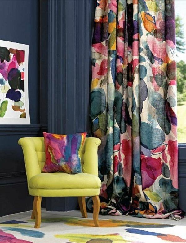 wohnideen farbiges dekokissen bunte gardine