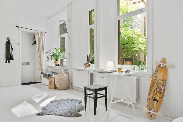 wohnung skandinavisch einrichten häusliches arbeitszimmer schreibtisch hocker