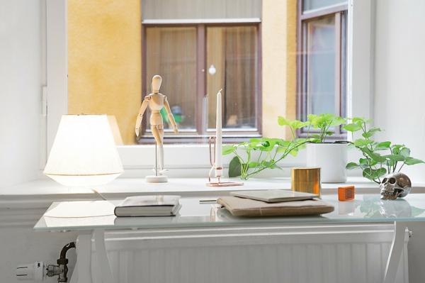 Arbeitszimmer Minimalistisch: Hochwertige büromöbel mit schlichtem ...