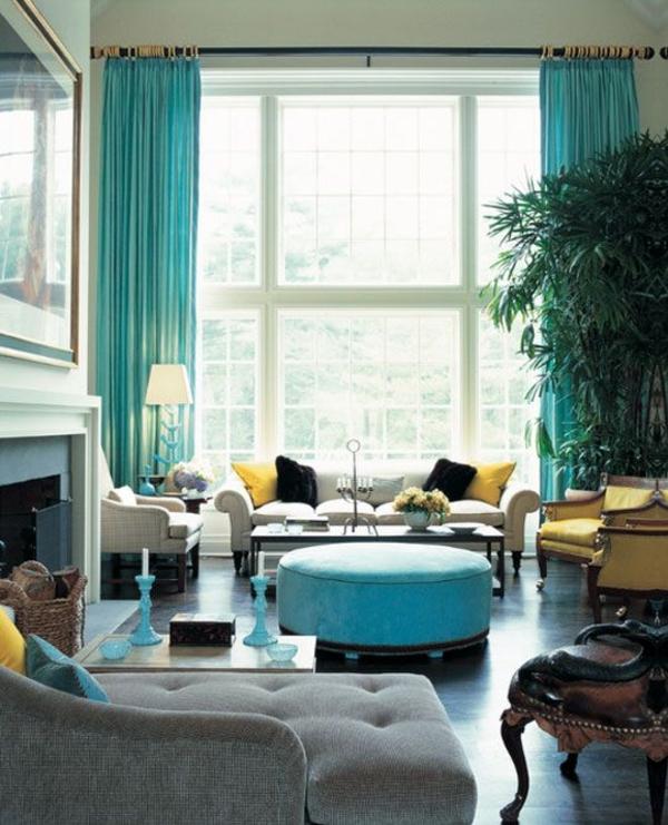 Stilvolle Wohnzimmer Mit Vorhängen In Türkis