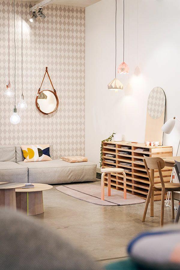 wohnzimmer wandgestaltung ideen tapetenmuster geometrische formen