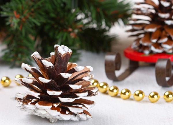 Bastelidee-für-Weihnachten-Moderne-Weihnachtsdeko-kachel