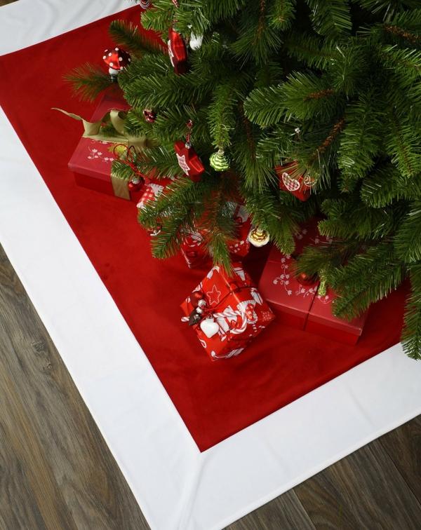 Moderne Weihnachtsdeko tisch geschenke rot