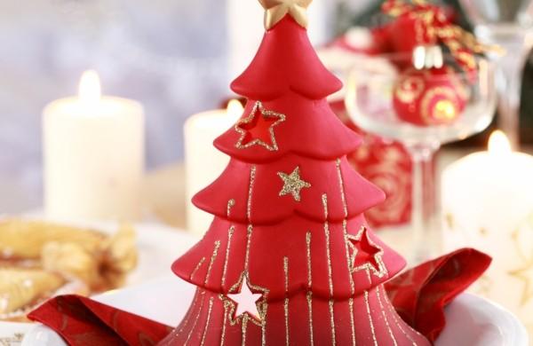 Bastelidee-für-Weihnachten-Moderne-Weihnachtsdeko-weihnachtsbaum-kerzen