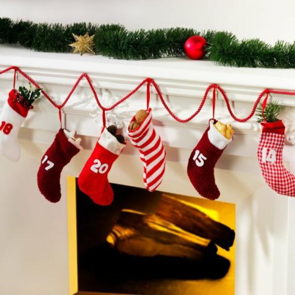 geschenke girlande Moderne Weihnachtsdeko weihnachtssocken