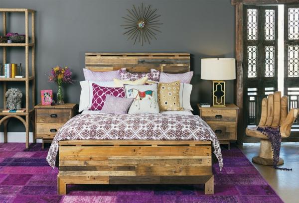 Betten aus Holzpaletten vintage modern stil