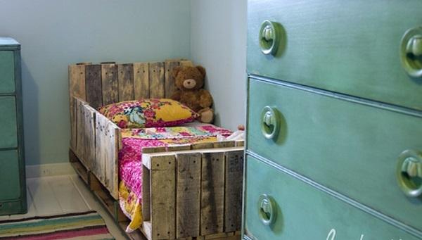 holzplatten Möbel aus alten Paletten bett gestell texturen