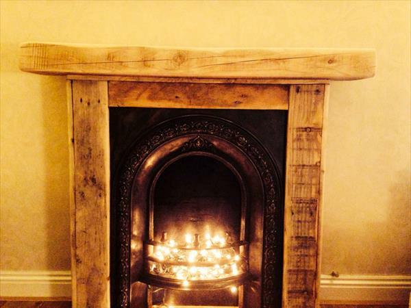 warm gemütlich Möbel aus alten Paletten kamin feuer