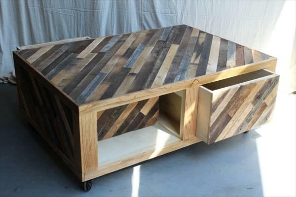 couchtisch schubladen Möbel aus alten Paletten kombiniert texturen