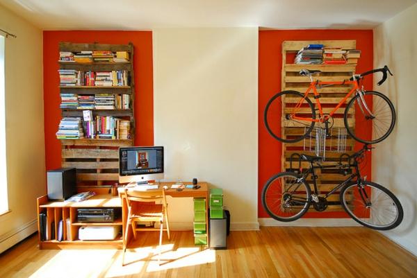 jungen zimmer Möbel aus alten Paletten regale wand fahrrad