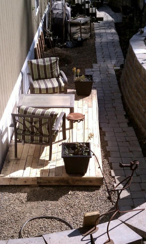 DIY plattform Möbel aus alten Paletten stühle auflagen